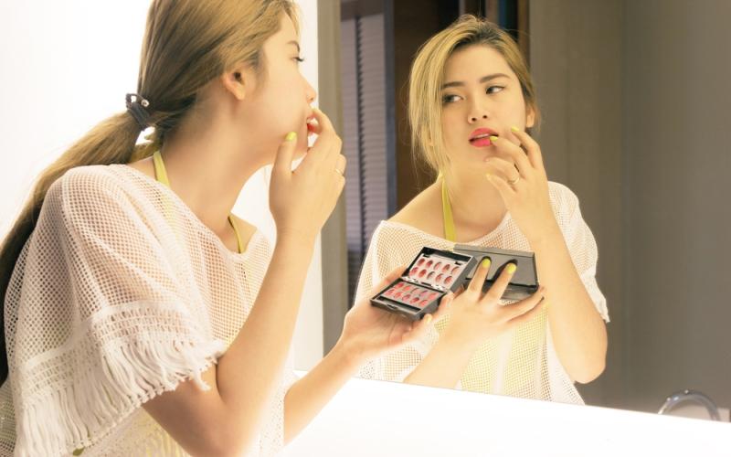 Tips Makeup Cantik untuk Remaja