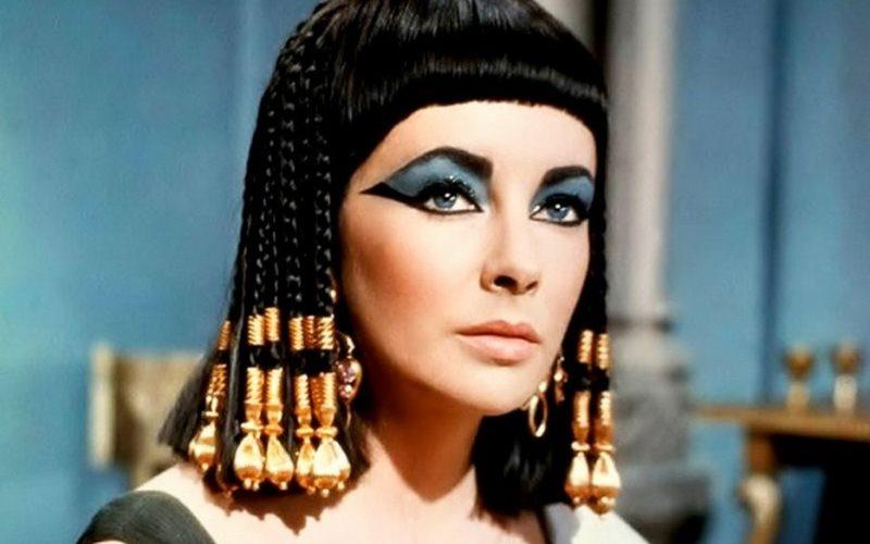 Menghidupkan Kembali Makeup Mesir Kuno