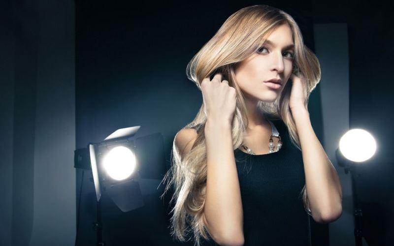 Tips Makeup yang Sesuai Model Rambut
