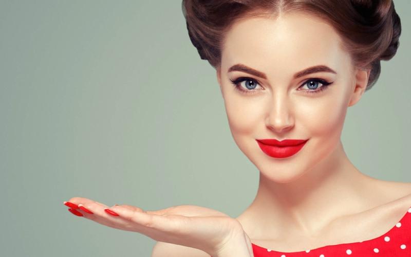 5 Trik Makeup untuk Anda Terlihat Lebih Cantik